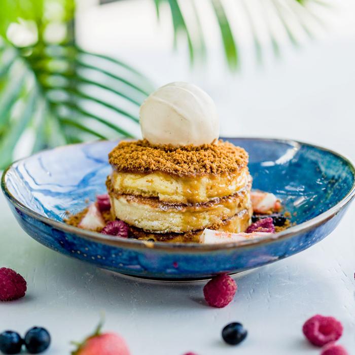 Lotus-&-Berries-Pancake