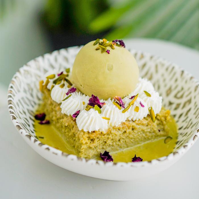 Pistachio-Milk-Cake